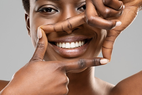 What To Expect During A Professional Teeth Whitening
